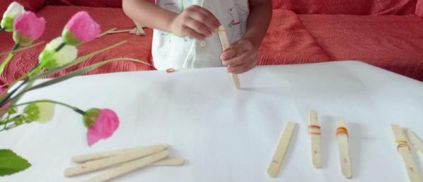 popsicle game with toddler