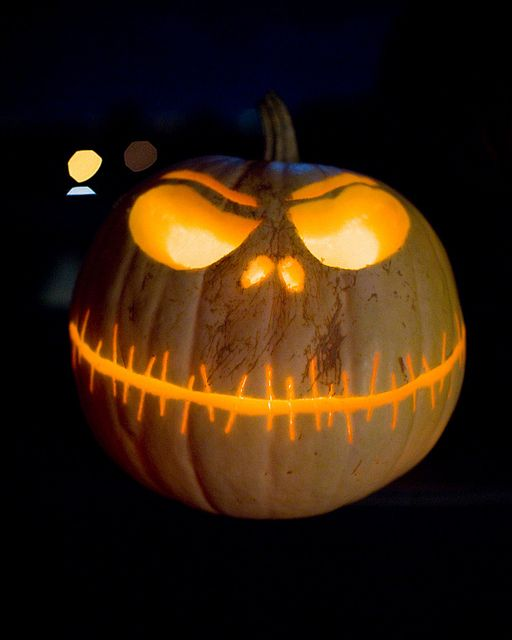 HALLOWEEN PUMPKINS CARVING